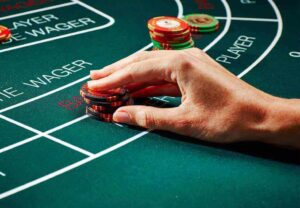 How to pay baccarat online?
